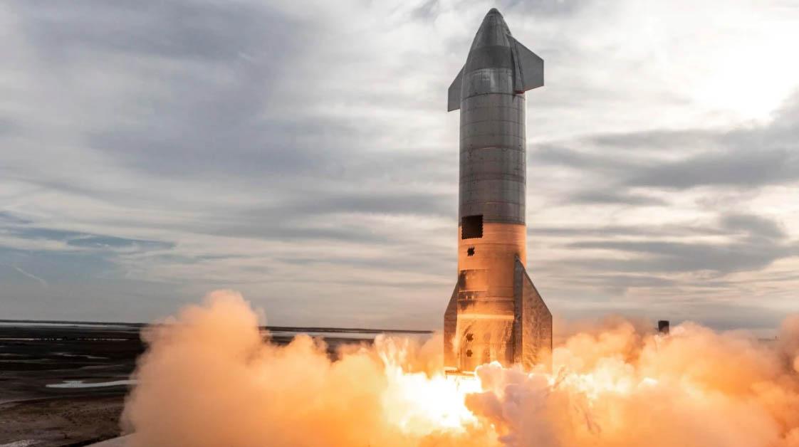 SpaceX Starship űrhajtó kilövés közben