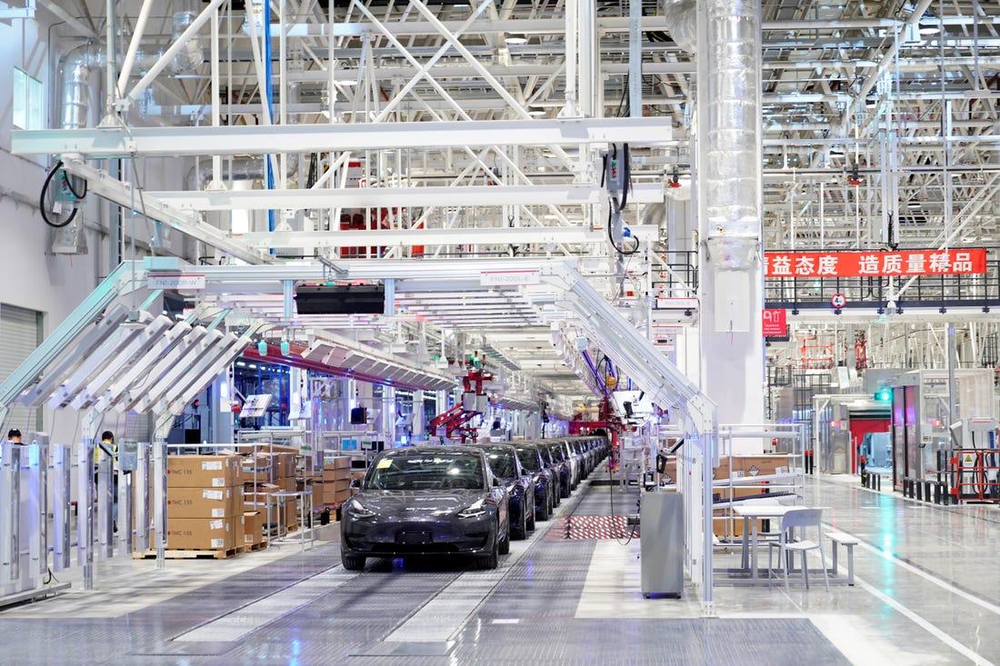 Tesla Model 3-asok gyártása a sanghaji Gigafactory-ban