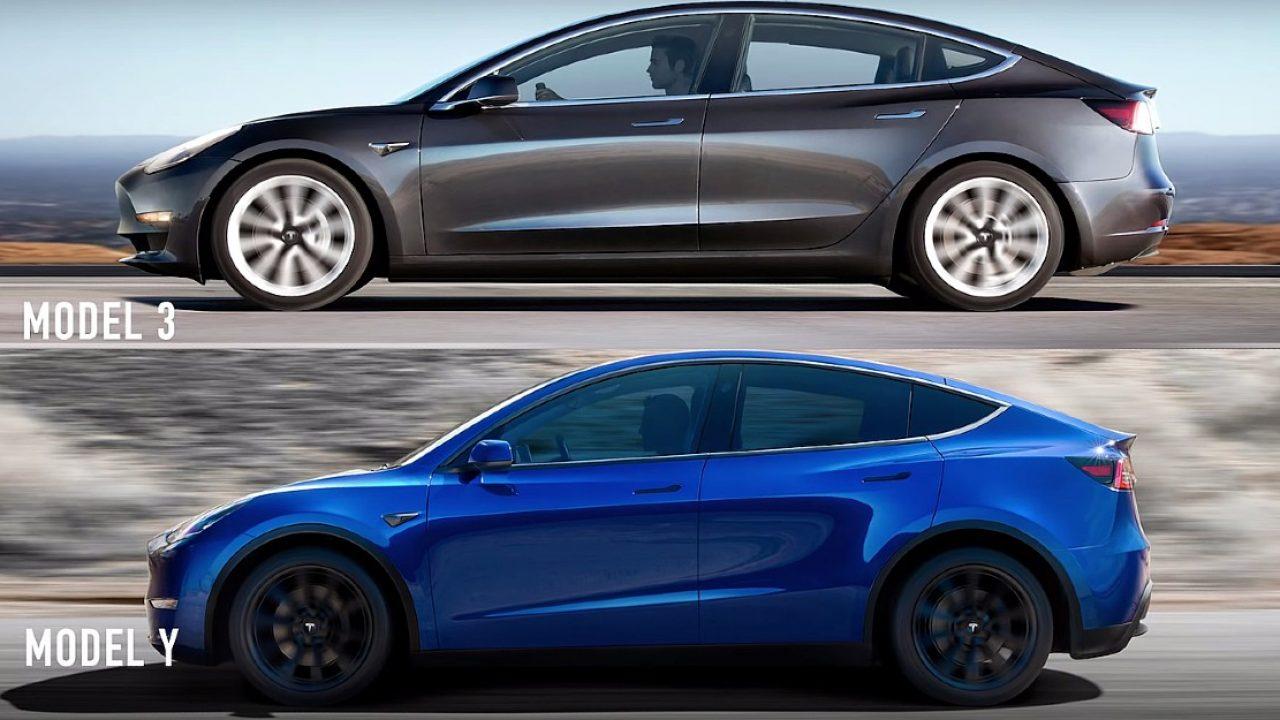 Tesla Model 3 és Model Y egymás alatt, oldalról, menet közben – montázs
